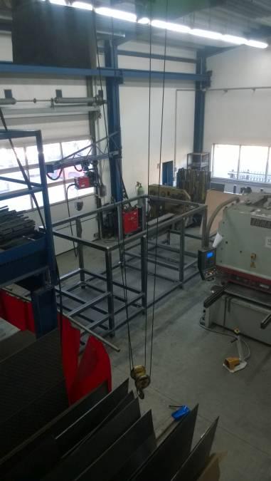 Maschinenunterkonstruktion für Beschriftungslaser