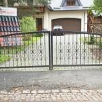 Einfahrtstor mit Zierstäben und Torantrieben Antik pulverbeschichtet