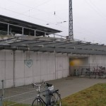 Freitragende Überdachung vom Eingang des Bahnhofs in Krehfeld