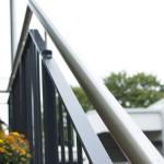 Eingangsüberdachung mit Geländer als Stahl-Glaskonstruktion für Blumenladen