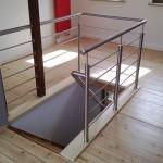 Geländer aus Edelstahl mit horizontalen Füllstäben