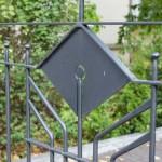 Einfahrtstor mit Pforte und Briefkastenanlage, Muster Gruber Design