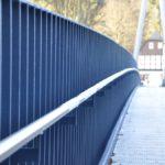 Brückengeländer für Fußgängerbrücke über die Mulde mit Edelstahlhandlauf